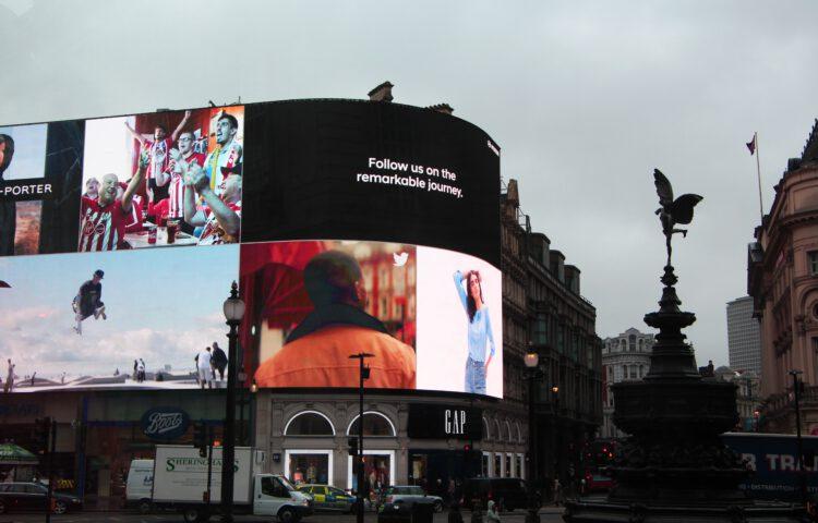 Dlaczego warto postawić na reklamę zewnętrzną?